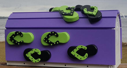 purple and polka dot flip flop mailbox